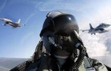 Επικίνδυνα παιχνίδια Τούρκων στο Αιγαίο: Εικονικές αερομαχίες και τουλάχιστον 33 παραβιάσεις